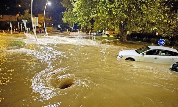 Innondations boulevard du Riou, Cannes. Le 3 octobre 2015